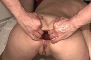 porno-lesbiyanki-moloko-klizma