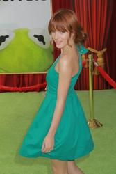 http://img41.imagevenue.com/loc129/th_159599470_Bella_Thorne_The_Muppets_Premiere_Hollywood_122_129lo.jpg