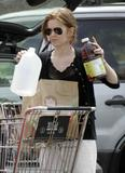 Isla Fisher - Shopping in LA 4/4/2007