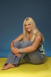 "Apparently she's starting a singing career and will be on VH1 on a show called 'Hulk Brooke Hogan, Stage Dad' so it's good to she that she got the record deal on her own merits. Foto 17 (Очевидно, она начинает карьеру певицы и будет на канале VH1 на шоу под названием ""Халк Брук Хоган, Этап папой"", так это хорошо ей, что она стала рекордной сделки по ее собственных достоинств. Фото 17)"