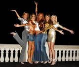 6 leggy Supermodels all in a row:Tyra,Heidi,Gisele & more