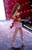 Flavia Oliveira Hot wife on the George Lopez Show.... Foto 7 (Флавия де Оливейра Горячая женой Джордж Лопес Показать .... Фото 7)
